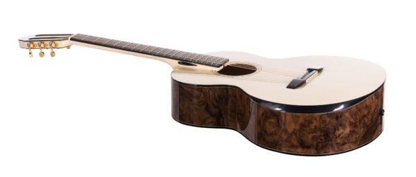 Wydrążona pusta szyjka gitary akustycznej